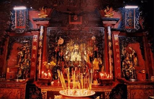 Chùa Ngọc Hoàng – bí ẩn sự linh thiêng giữa thành phố Sài Gòn