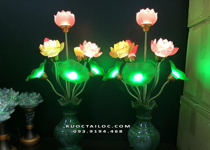 đèn bình ngọc đẹp nhất trên bàn thờ phật