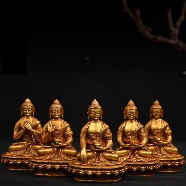 Ngũ Trí Như Lai đại diện cho 5 phẩm chất của con người, cũng là 5 phẩm hạnh quan trọng nhất của người tu hành