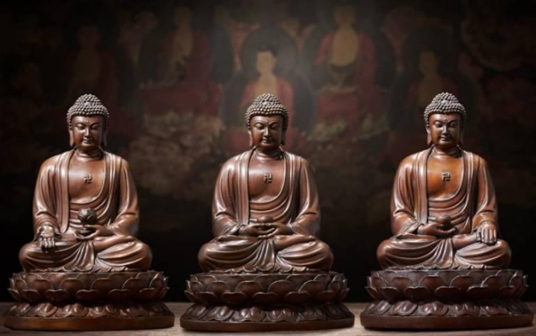 Tam Thế Phật là bộ tượng tôn vinh công đức của các vị chư Phật ở nhiều không gian và thời gian