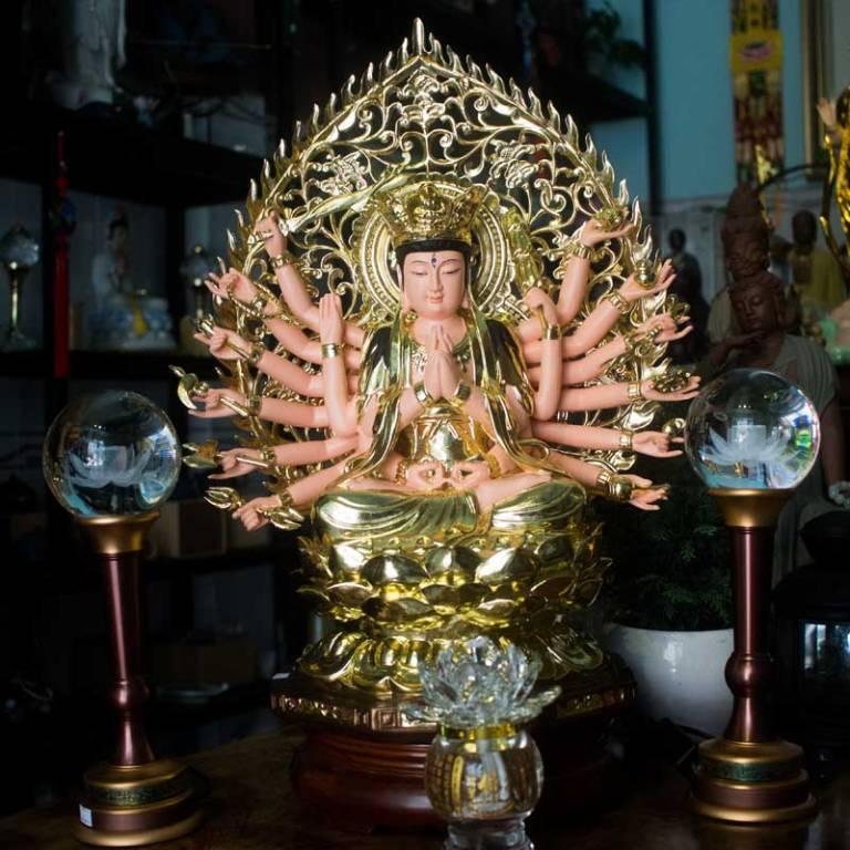 Phật Mẫu Chuẩn Đề là vị Bồ tát ở Thế giới được tôn vinh, không giáng sinh ở cõi trần gian