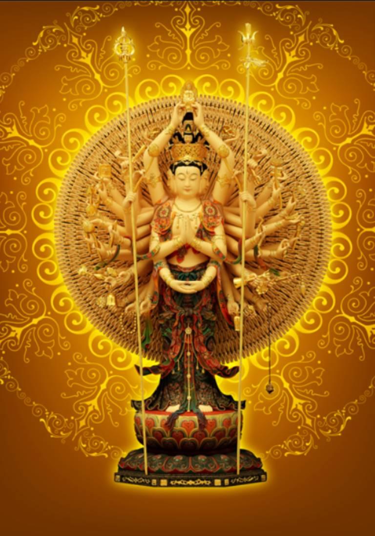 Phần đầu của Thiên Thủ Thiên Nhãn Bồ tát được xếp theo 5 tầng với 11 khuôn mặt tượng trưng cho 11 quả vị giác ngộ