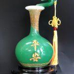 Mẫu lục bình như ý xanh ngọc phong thủy có thể đặt ở bàn thờ Ông Địa Thần Tài hoặc phòng khách, phòng thờ đều được