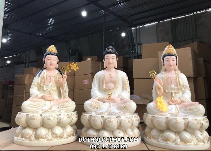 Tượng Phật A Di Đà trong bộ Tây Phương Tam Thánh ngồi màu trắng viền vàng TPTT-009